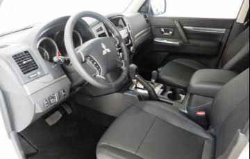 Mitsubishi Pajero Full HPE 4X4 3.2 Turbo Intercooler 16V - Foto #8