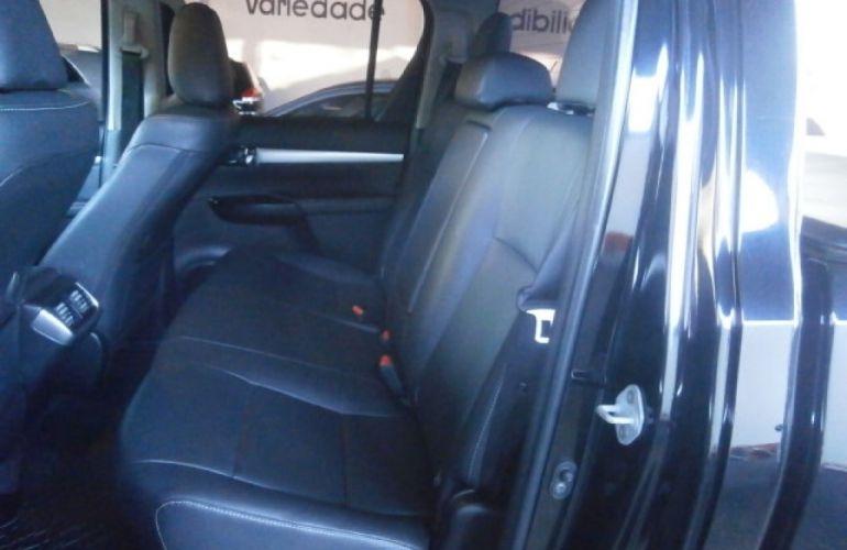 Toyota Hilux 2.8 TDI SRX CD 4x4 (Aut) - Foto #6