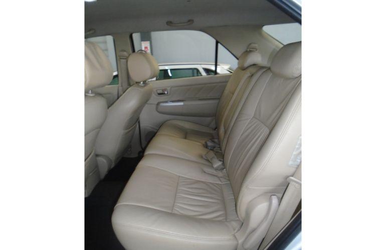Toyota Hilux SW4 3.0 TDI 4x4 SRV 5L - Foto #5