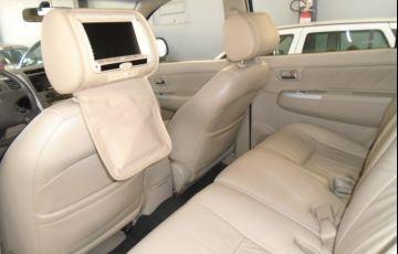 Toyota Hilux SW4 3.0 TDI 4x4 SRV 5L - Foto #6