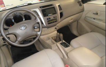 Toyota Hilux SW4 3.0 TDI 4x4 SRV 5L - Foto #7
