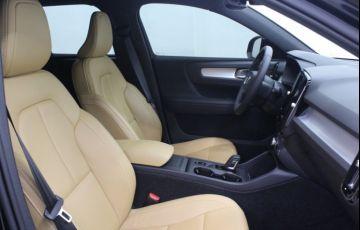 Volvo XC40 2.0 T5 Momentum AWD - Foto #5