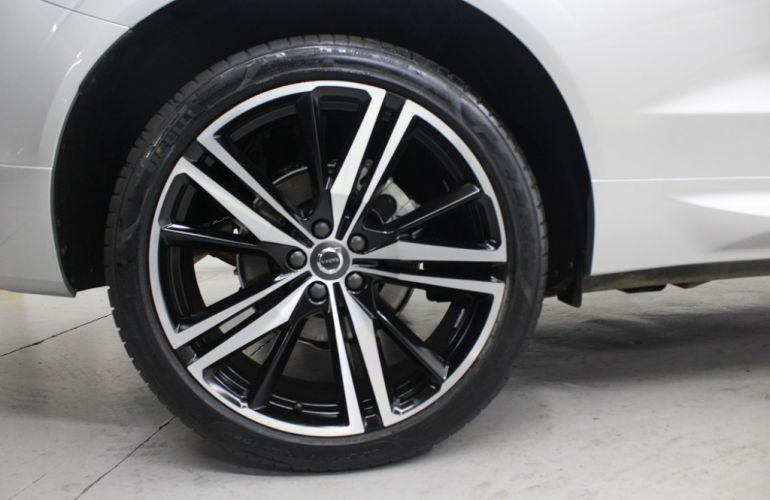 Volvo XC60 2.0 T5 R-Design AWD - Foto #10