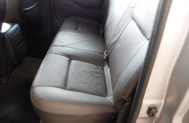 Nissan Frontier SL 4x4 Cabine Dupla 2.5 Turbo Diesel - Foto #9