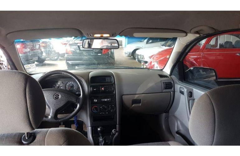Chevrolet Astra Sedan 1.8 8V - Foto #8
