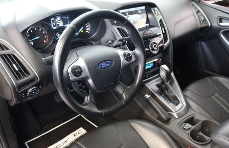 Ford Focus Titanium 2.0 16V Flex - Foto #4