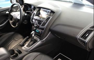 Ford Focus Titanium 2.0 16V Flex - Foto #5
