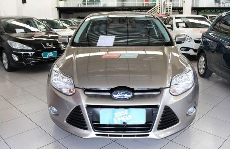 Ford Focus Titanium 2.0 16V Flex - Foto #7