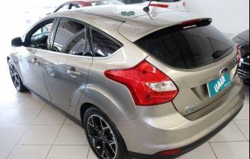 Ford Focus Titanium 2.0 16V Flex - Foto #9