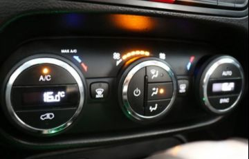 Jeep Renegade Sport Longitude 1.8 Flex - Foto #6