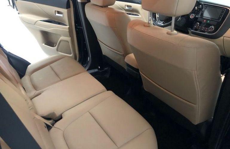 Mitsubishi Outlander GT 4X4 3.0 V6 24V - Foto #9