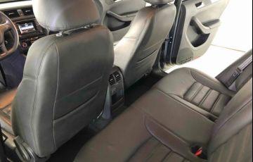 Volkswagen Jetta Trendline Tiptronic 1.4 TSI - Foto #10
