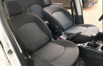 Peugeot 207 Hatch Active 1.4 (Flex) - Foto #6