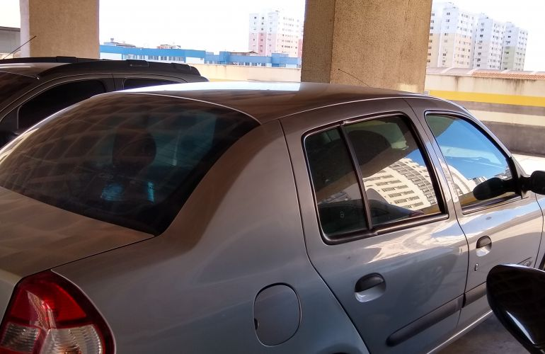 Renault Clio Sedan Expression 1.0 16V (flex) - Foto #5
