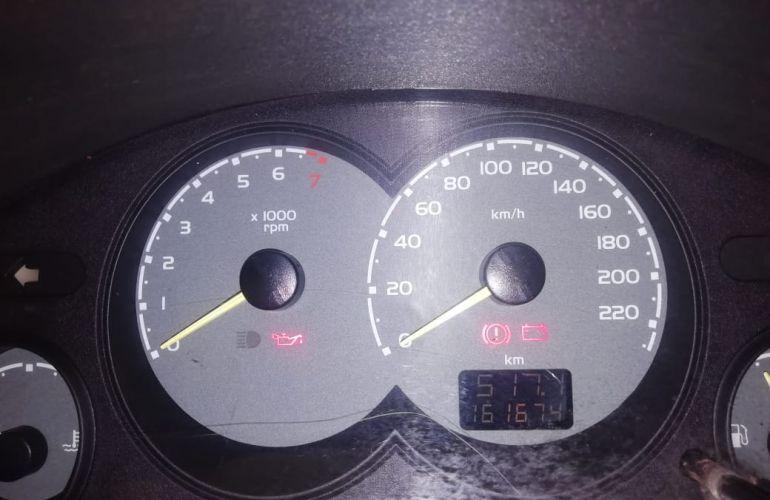 Chevrolet Corsa Sedan Classic Spirit 1.0 (Flex) - Foto #2