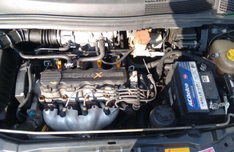 Chevrolet Zafira Comfort 2.0 (Flex) - Foto #4