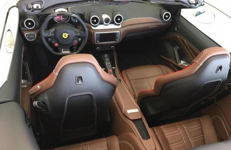 Ferrari Califórnia T DCT 3.9 V8 Turbo - Foto #3