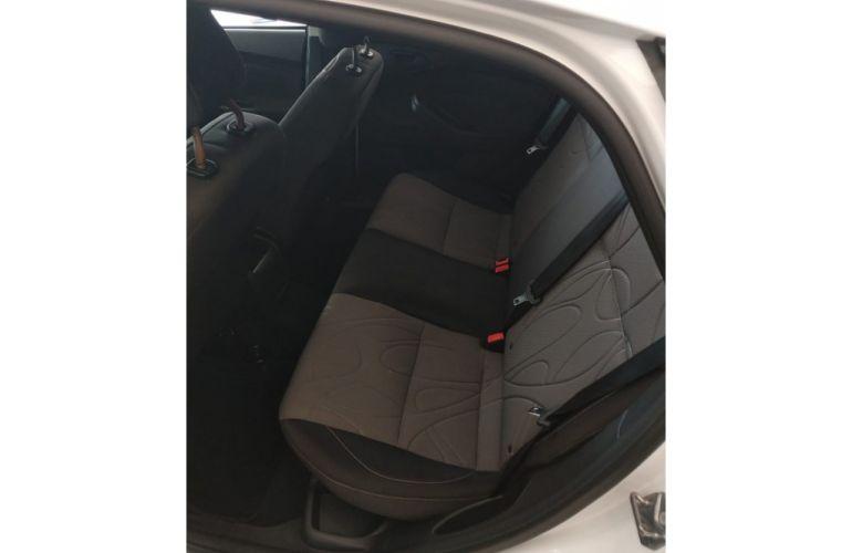 Ford Focus Hatch S 1.6 16V TiVCT - Foto #9