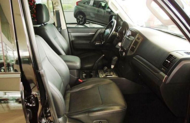 Mitsubishi Pajero Full HPE  DI-D 3D 4WD 3.2 16V - Foto #4