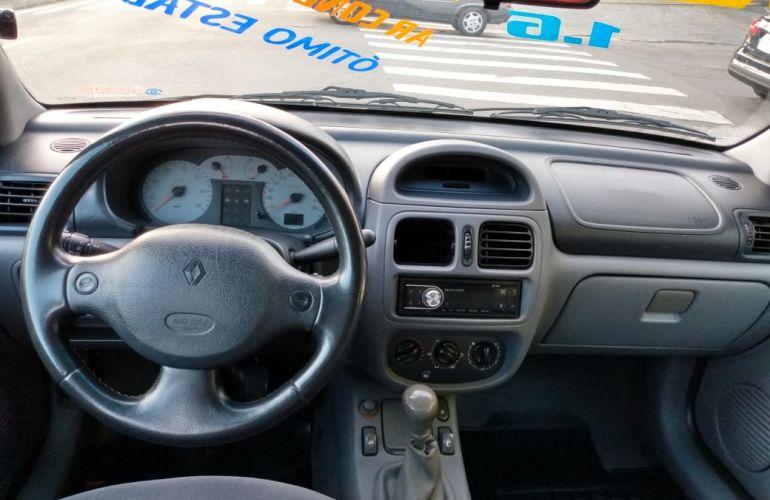 Renault Clio Sedan RT 1.6 16V - Foto #2