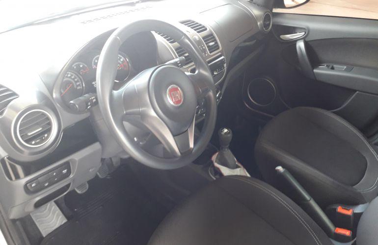 Fiat Grand Siena Evo Attractive 1.4 8V (Flex) - Foto #2