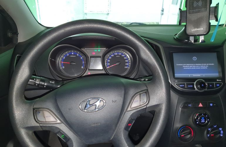 Hyundai HB20 1.0 Copa do Mundo - Foto #5