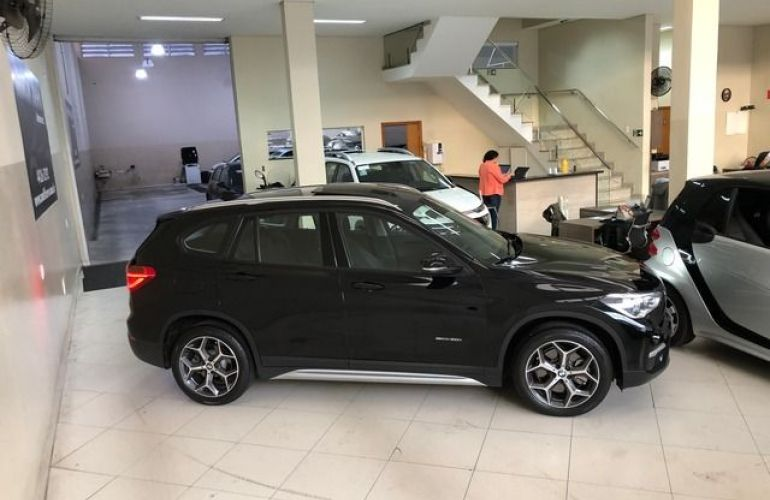 BMW X1 S Drive 20i X-Line 2.0 16V Turbo - Foto #8