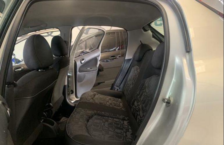 Peugeot 207 Hatch XR Sport 1.4 8V (flex) - Foto #9
