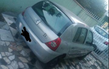 Renault Clio Hatch. Authentique 1.0 8V 4p - Foto #4