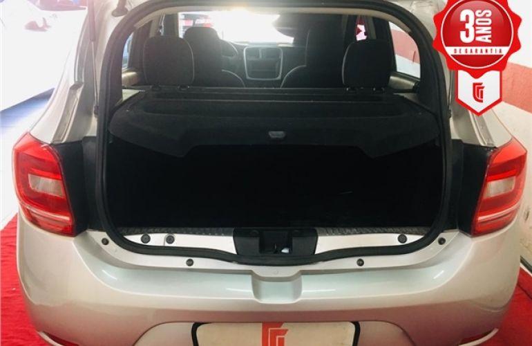 Renault Sandero 1.0 Authentique 16V Flex 4p Manual - Foto #5