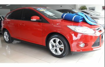 Ford Focus Hatch S 1.6 16V TiVCT PowerShift - Foto #1