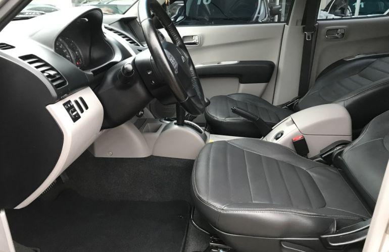 Mitsubishi L 200 Triton HPE 4x4 3.2 (aut) (cab. dupla) - Foto #7