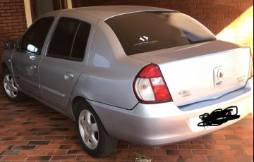 Renault Clio Sedan Privilége Hi-Power 1.0 16V - Foto #4