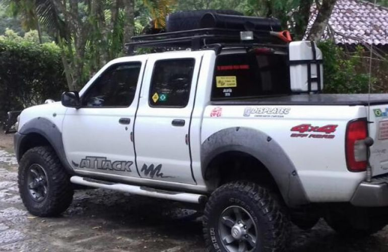 Nissan Frontier XE 4x4 2.8 (cab. dupla) - Foto #1