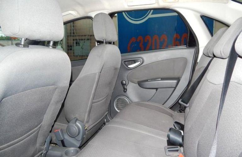 Fiat Grand Siena Attractive 1.4 EVO Flex - Foto #4