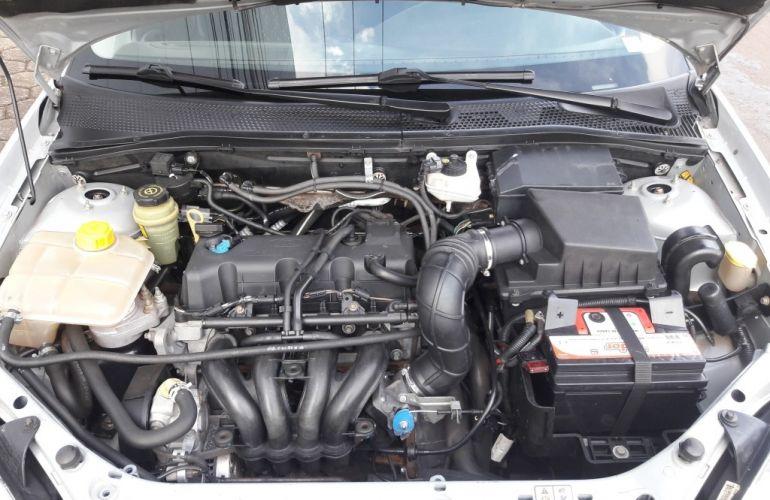 Ford Focus Hatch GLX 1.6 8V (Flex) - Foto #8