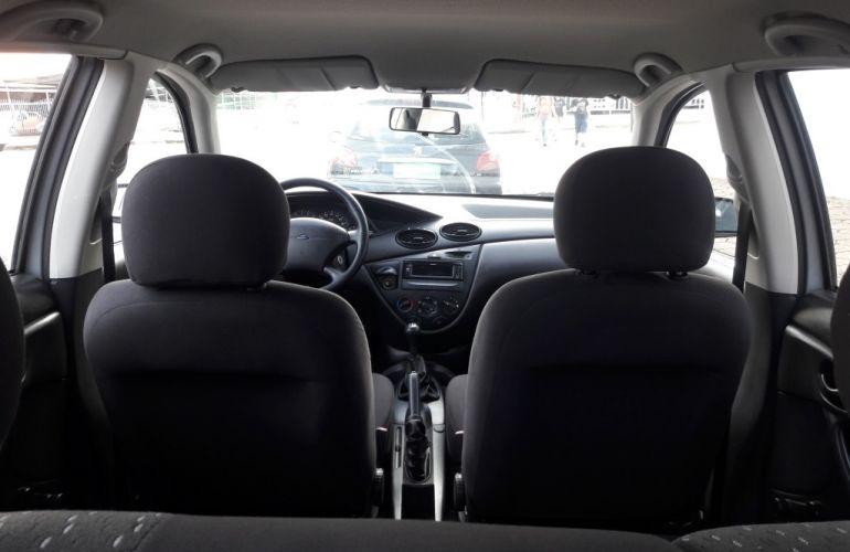 Ford Focus Hatch GLX 1.6 8V (Flex) - Foto #9