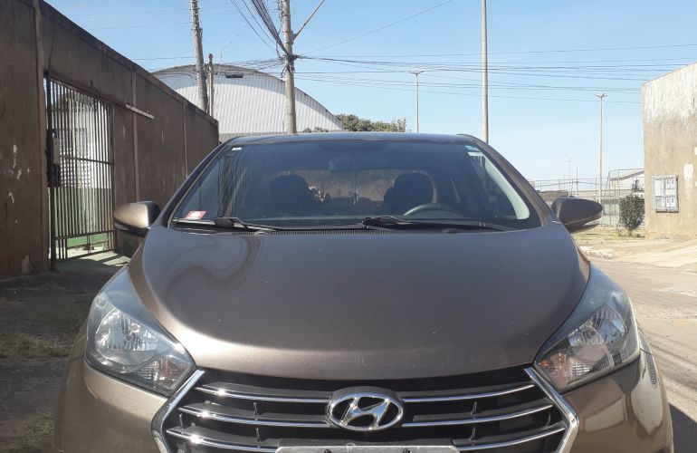 Hyundai HB20S 1.0 Comfort Plus - Foto #5