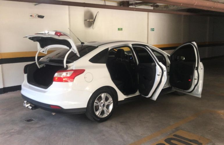 Ford Focus Sedan S 2.0 16V PowerShift (Aut) - Foto #5