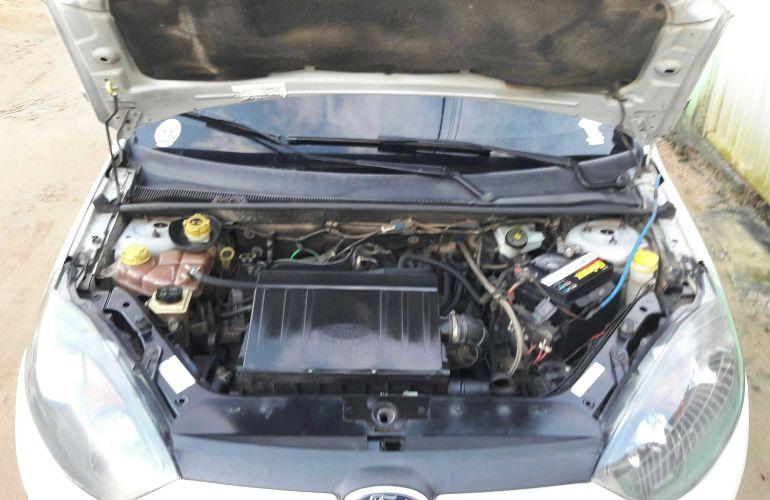 Ford Fiesta Hatch SE 1.0 RoCam (Flex) - Foto #4