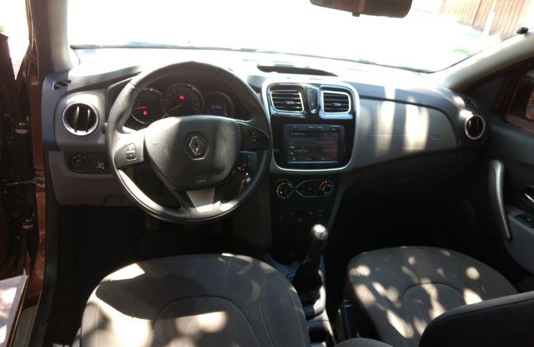 Renault Logan Dynamique 1.6 8V - Foto #2
