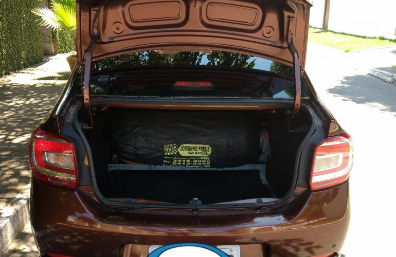 Renault Logan Dynamique 1.6 8V - Foto #5