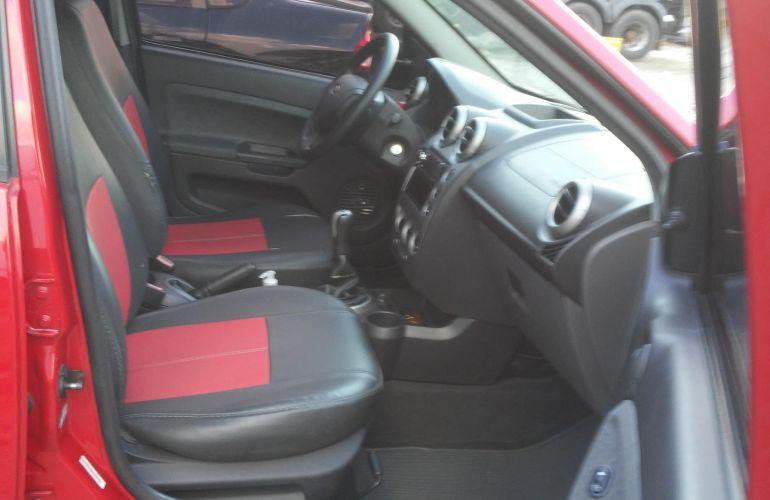 Ford Fiesta Sedan SE Plus 1.0 RoCam (Flex) - Foto #2