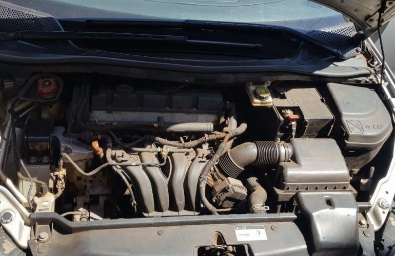 Citroën C4 Pallas GLX 2.0 16V - Foto #7