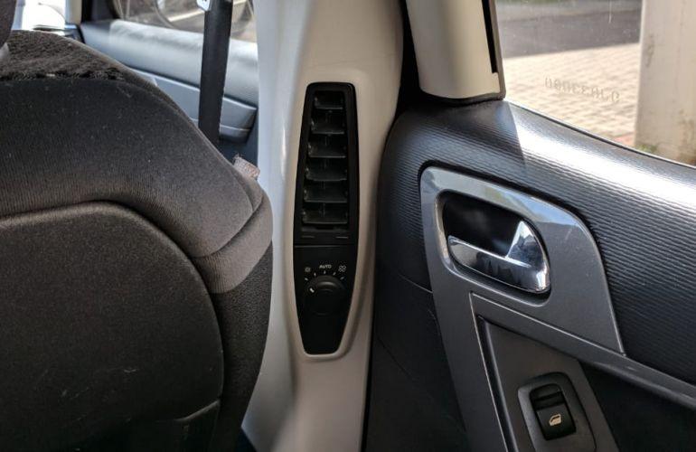 Citroën C4 Picasso 2.0 16v - Foto #4