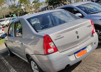 Renault Logan Authentique 1.0 16V (flex) - Foto #2