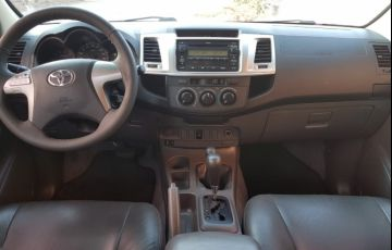 Toyota Hilux 3.0 TDI 4x4 CD SR (Aut) - Foto #2