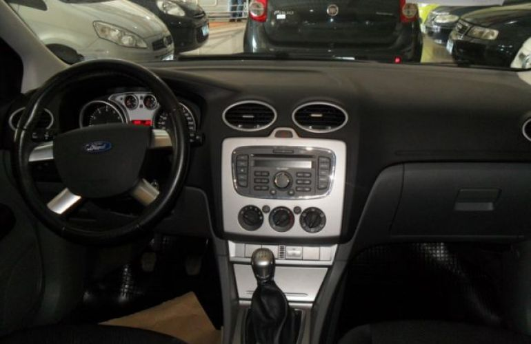 Ford Focus GL 1.6 16V Flex - Foto #6