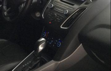 Ford Focus Sedan SE 2.0 PowerShift - Foto #5