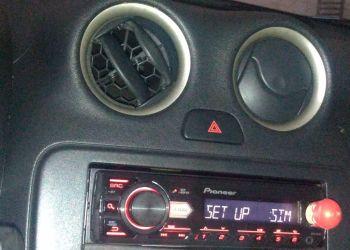 Nissan March 1.6 16V SR (Flex) - Foto #6